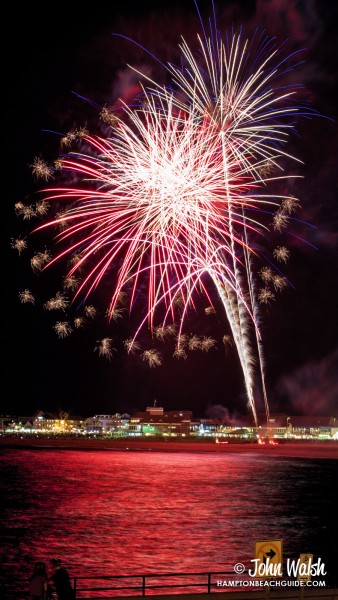hampton-beach_nh_fireworks_201