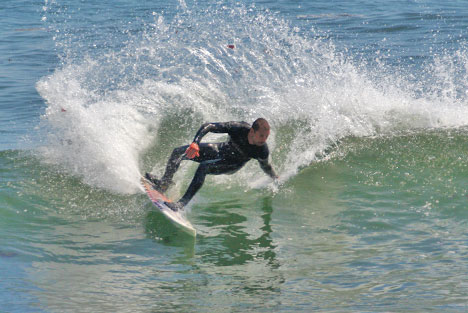 surfing-cutback